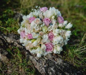 Bohatá maslová svadobná kytica