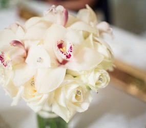 svadobna kytica z orchidei
