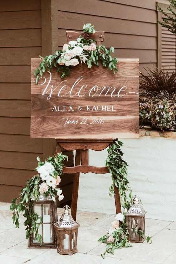 Drevené svadobné rekvizity