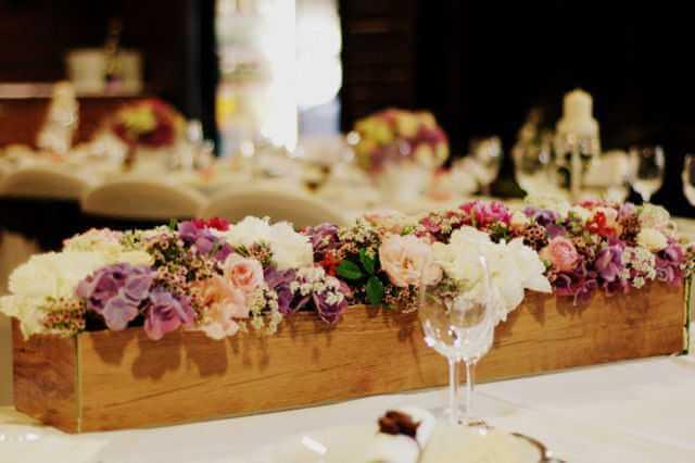 Kvetinová výzdoba jedálne