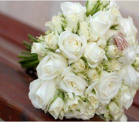 Svadobná kytica z bielych ruží