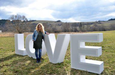 Love písmená veľké