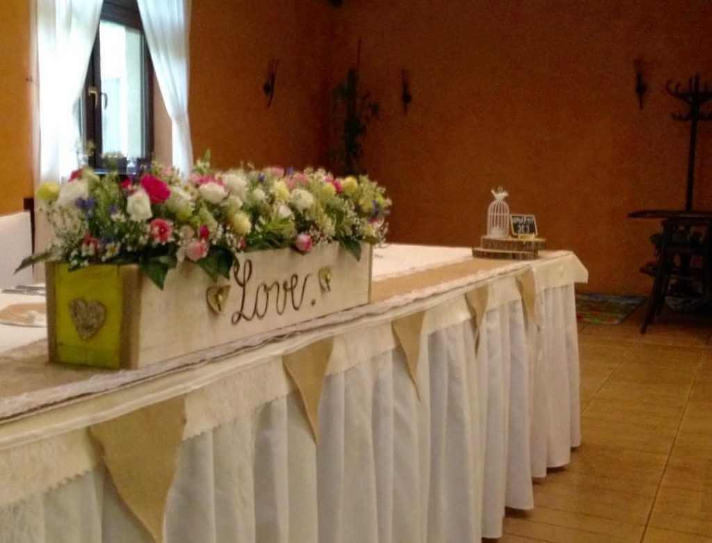 Vintage svadobná výzdoba stola