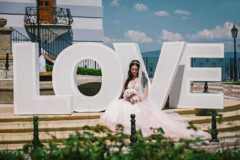 Svadobné písmená love