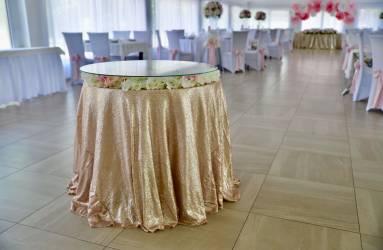 stolik na svadobnu tortu Nové Zámky