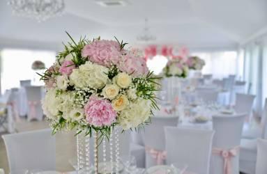 kvetinová svadobná výzdoba na svadbu Nové Zámky